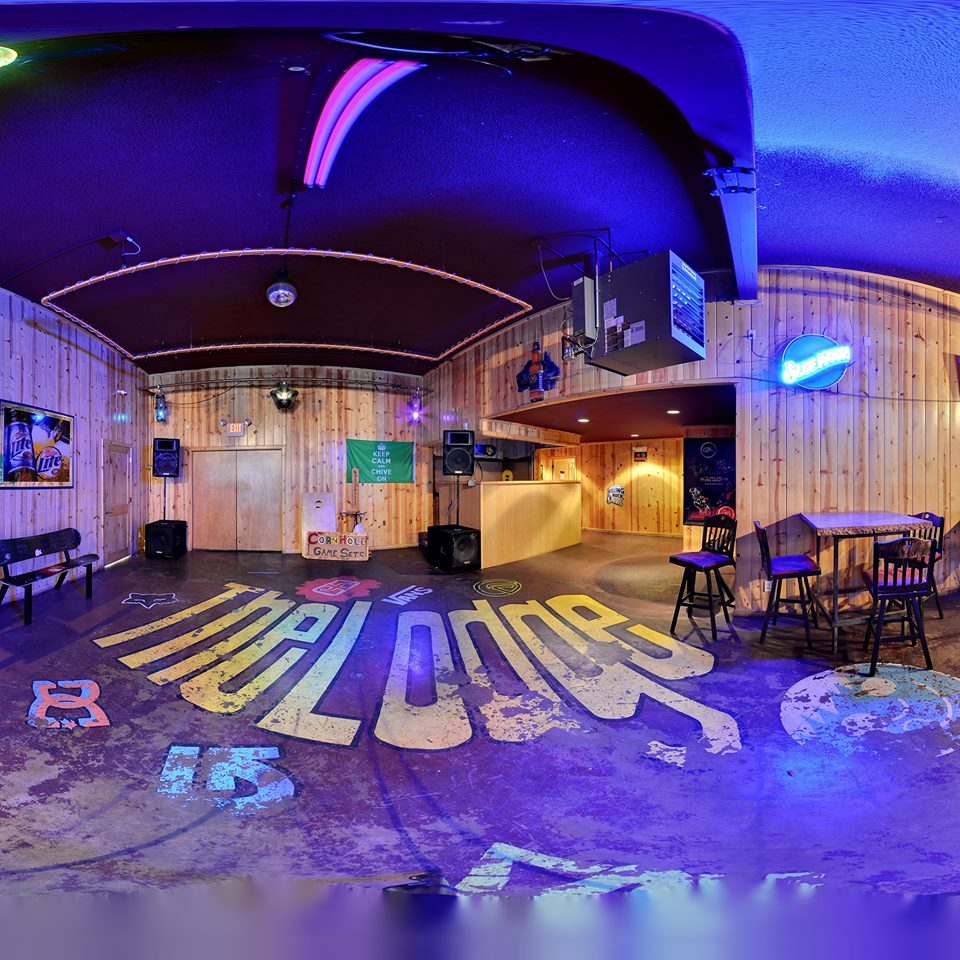 The Lodge Sports Bar & Grill interior (image)